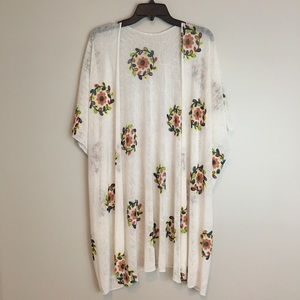 JANICE APPARAL Kimono Shawl Cream Floral One Size